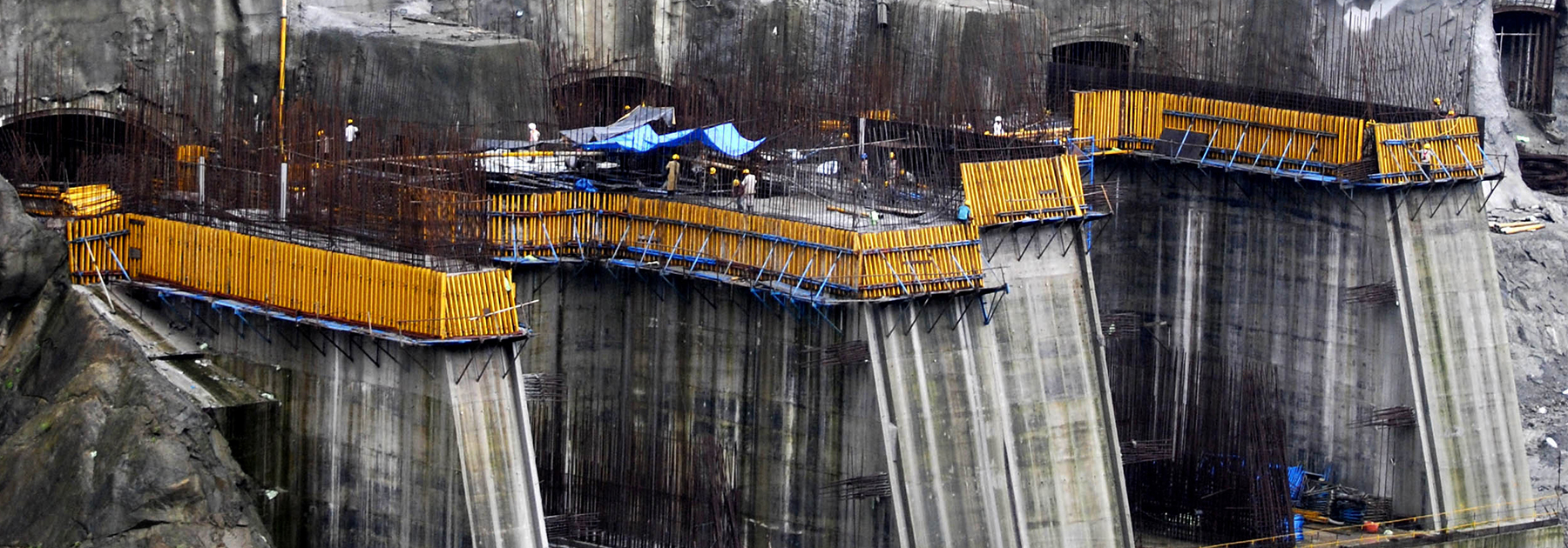 Construction work on a 2000MW dam at The Subansiri Lower Hydroelectric Project at North Lakhimpur. (STRDEL/AFP/Getty Images)
